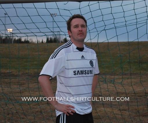 Chelsea away kit 09/10